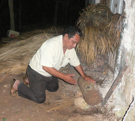 Raul showing the hive of indigenous stingless bees